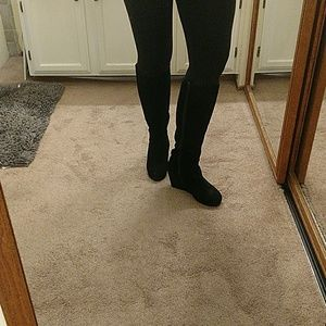 Steve Madden size 9 1/2 black suede wedge boots